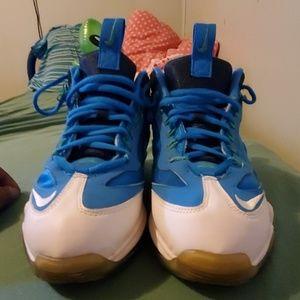 Mens Ken Griffey shoes size 10.5